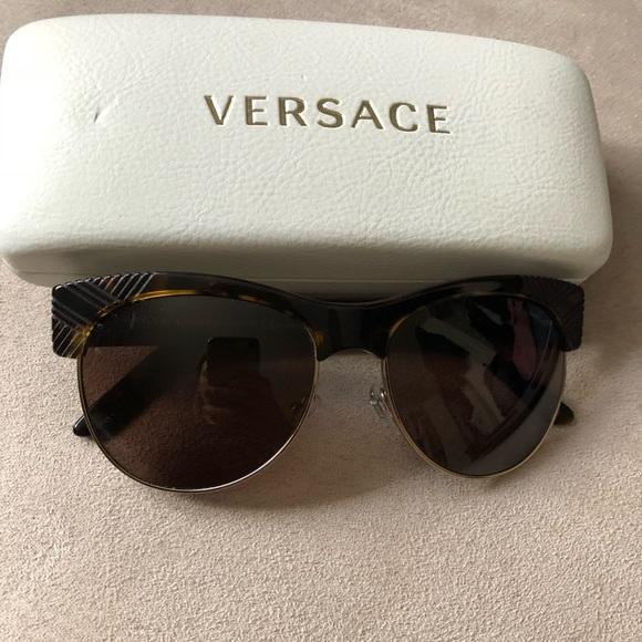18bd3cf33b3c Versace Accessories - Versace - Wayfarer